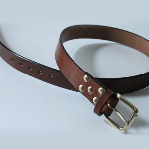 Handmade English bridle leather belt ~ Lowland ~ 1.5 inches wide ~ brown oak bark tanned leather with a heavy solid brass buckle.